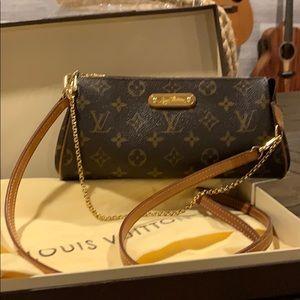 Louis Vuitton crossbody monogram zip